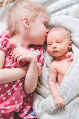 fotografering av nyfödd, Fotograf Evelina Eklund Hassel i Jönköping och Karlstad